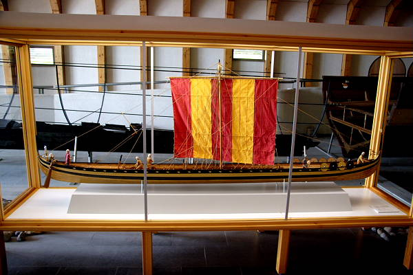 A model of the vikingship excavated from Hedeby Harbour